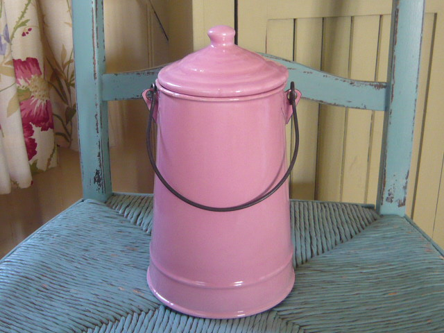 Z/SOLD PINK ENAMEL BILLY CAN