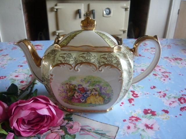z/sold  Sadler garden scene vintage teapot