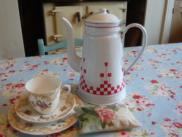 Z/SOLD -A VINTAGE FRENCH SHABBY CHIC  RED & WHITE ENAMEL COFFEE POT