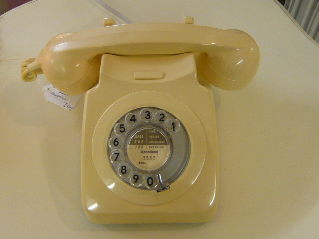 z/sold RETRO IVORY TELEPHONE