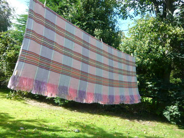 z/sold  VINTAGE WELSH WOOL BLANKET pink & lilac