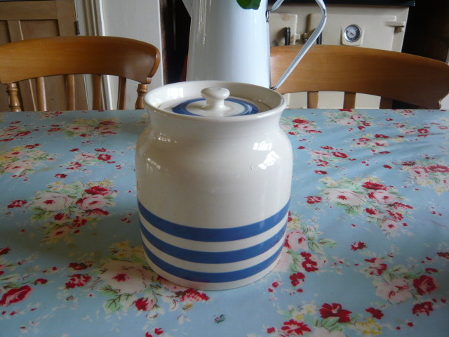 Z/SOLD - A VINTAGE SADLER KLEEN KITCHEN WARE JAR......two available