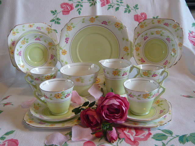 Z/SOLD - A STUNNING ART DECO TEA SET  BY VICTORIA CHINA