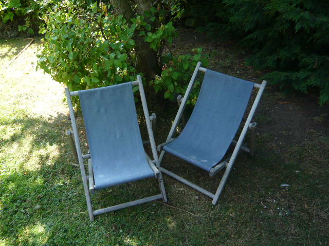 Z/SOLD -VINTAGE PAIR CHILDRENS DECK CHAIRS