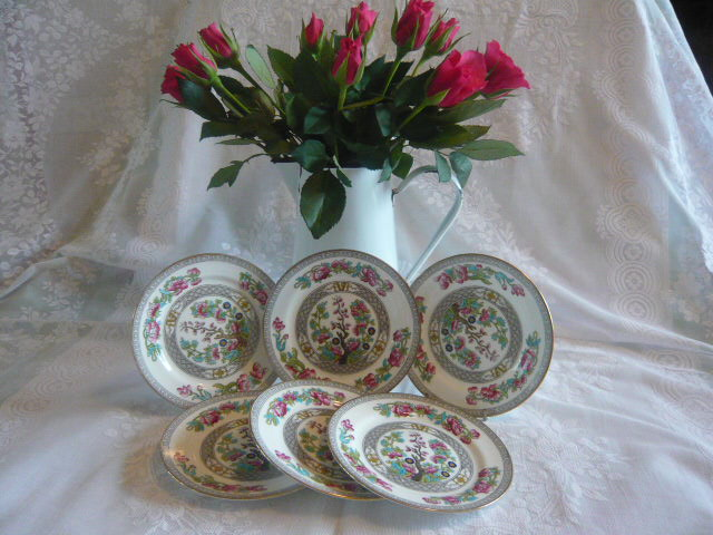 Z/SOLD -  SET OF AYNSLEY TEA PLATES