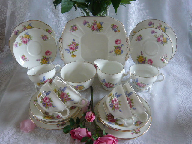 Z/SOLD- VINTAGE MAYFAIR CHINA TEA SET