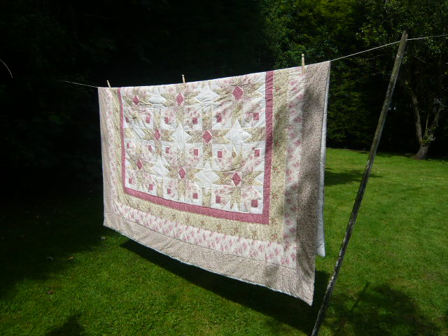 Z/SOLD - LARGE PATCHWORK QUILT WITH PINK ROSES
