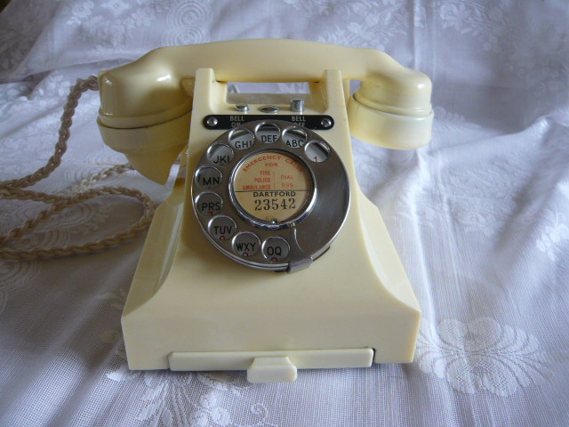 Z/SOLD - IVORY BAKELITE BELL ON BELL OFF TELEPHONE