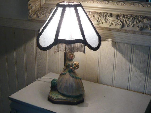 Z/SOLD - CRINOLINE LADY LAMP