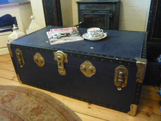 Z/SOLD - ANTIQUE VINTAGE STEAMER TRAVEL TRUNK (no 2)