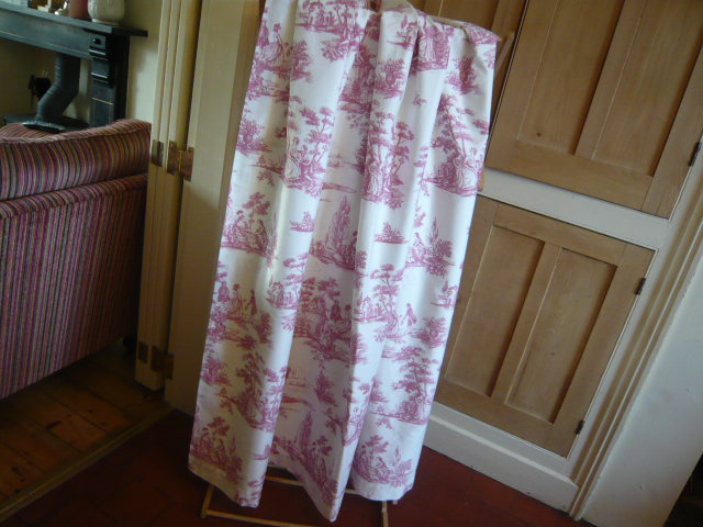 Z/SOLD - VINTAGE DOOR CURTAIN TOILE DE JOUY