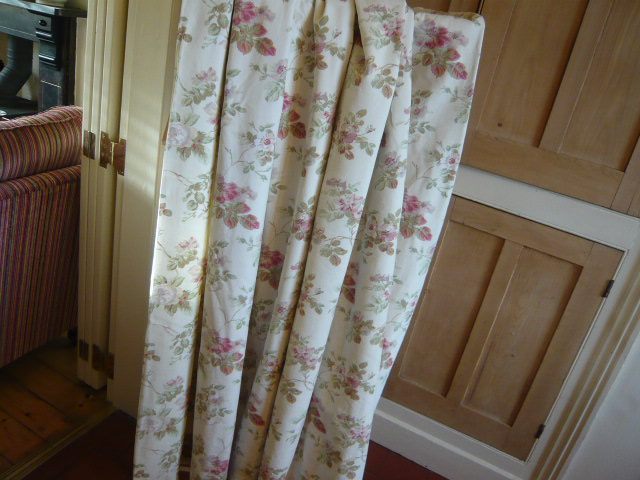 Z/SOLD - VINTAGE LAURA ASHLEY CURTAINS