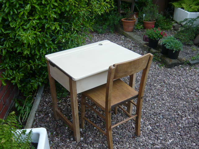 A VINTAGE CHILDS SCHOOL DESK & CHAIR