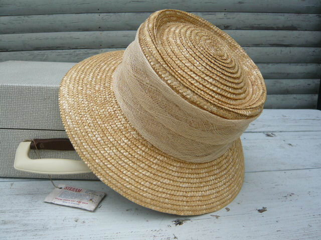 Z/SOLD - Laura Ashley Straw ladies Hat