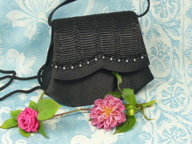 Z/SOLD  BLACK LADIES EVENING BAG