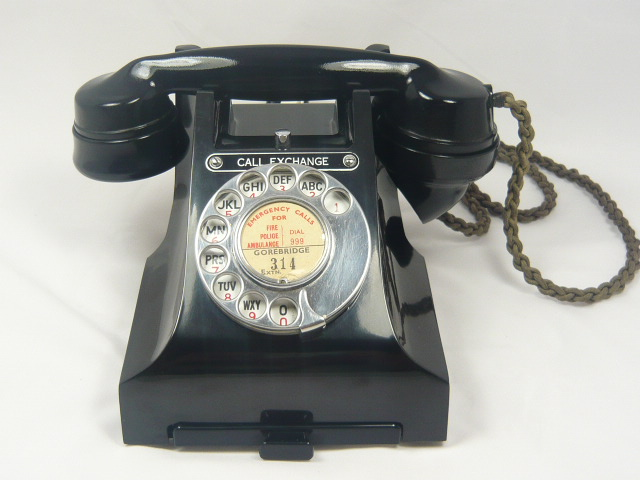 STUNNING VINTAGE BAKELITE 300 SERIES CALL EXCHANGE TELEPHONE