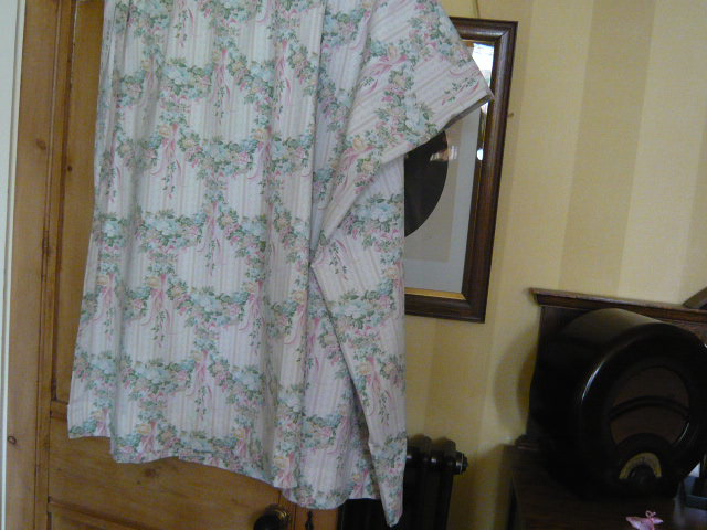 """z/sold DELIGHTFUL  PAIR OF VINTAGE CURTAINS by Jenny Wren """" Rosina"""""""