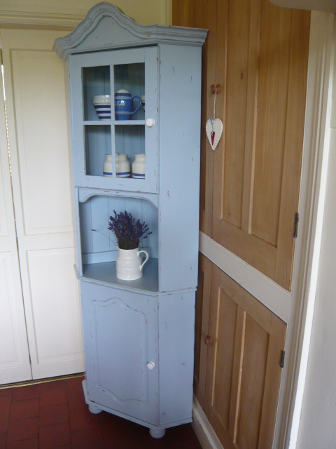 Z/SOLD -BLUE SHABBY CHIC PAINTED CORNER CUPBOARD