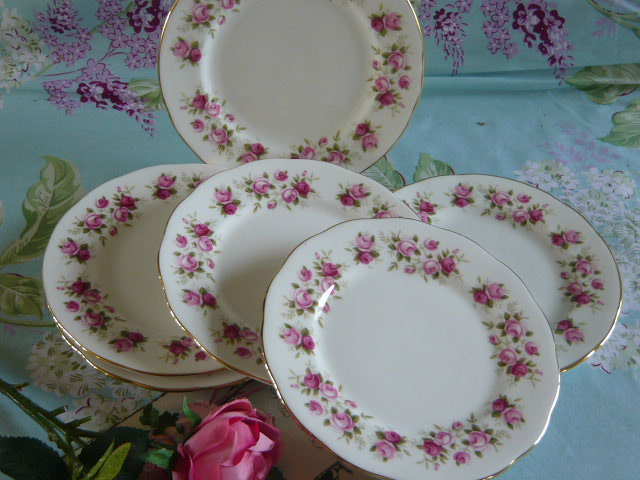 z/sold VINTAGE SET OF TEA PLATES BY COLCLOUGH