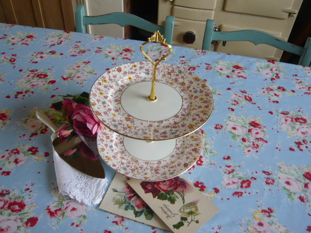 Z/SOLD - VINTAGE 2 TIER CHINTZ CHINA CAKESTAND