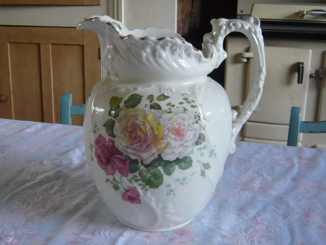 Z/SOLD - A TOTALLY STUNNING VICTORIAN ROSES JUG
