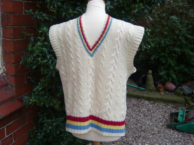 z/sold - VINTAGE GENTS CABLE KNIT TANK TOP