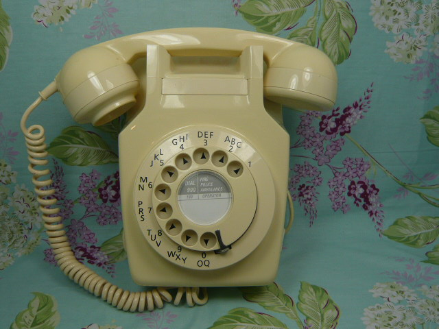 z/sold  A  RETRO IVORY WALL TELEPHONE