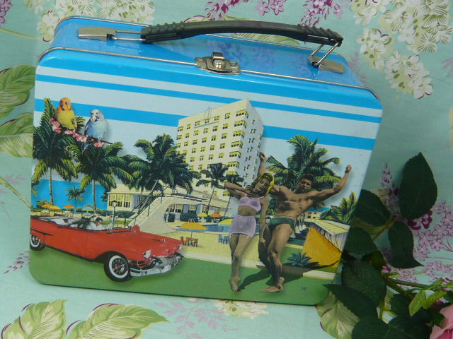 z/sold  RETRO LUNCH BOX