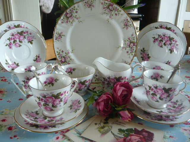 Z/SOLD - AN ADORABLE QUEEN ANNE CHINA TEASET