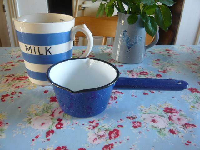 BLUE ENAMEL MILK PAN