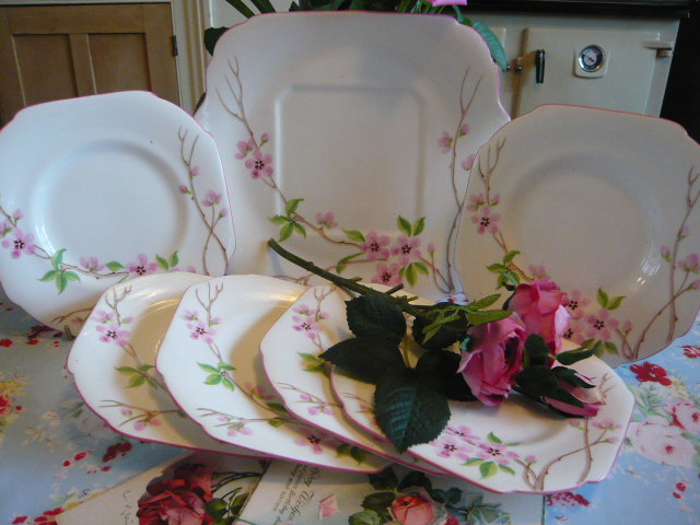 z/sold ART DECO GRAFTON VINTAGE SET OF TEAPLATES & CAKE PLATE