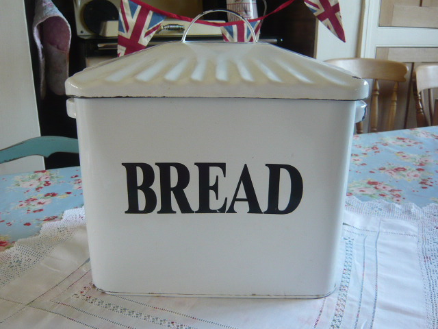 Z/SOLD - RARE SMALL VINTAGE ENAMEL BREAD BIN