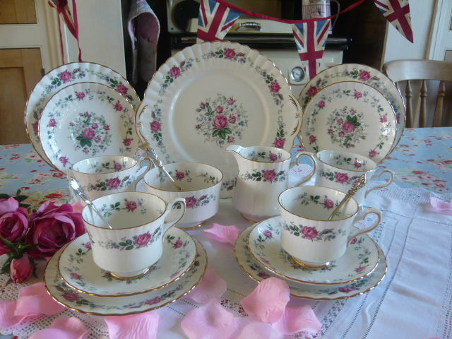Z/SOLD - VINTAGE CHINA TEA SET BY ROYAL STAFFORD (C198)