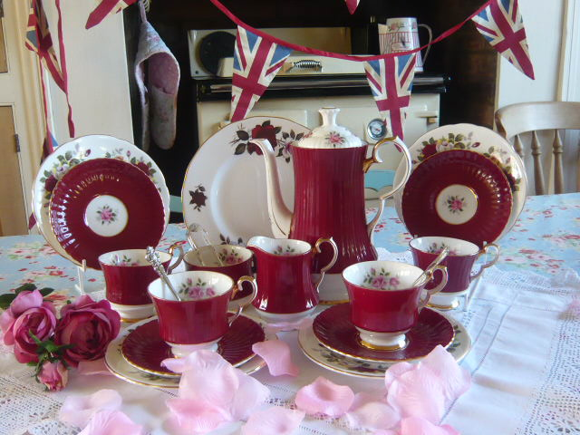 z/sold STUNNING ROYAL WINDSOR COFFEE SET