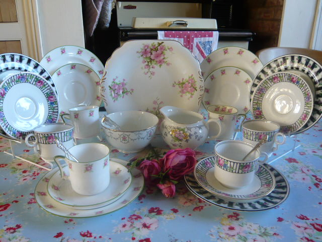 z/sold VINTAGE CHINA ROSES TEA SET  MISMATCHED C 185