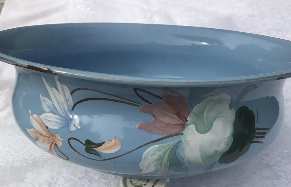 French Vintage enamel bowl
