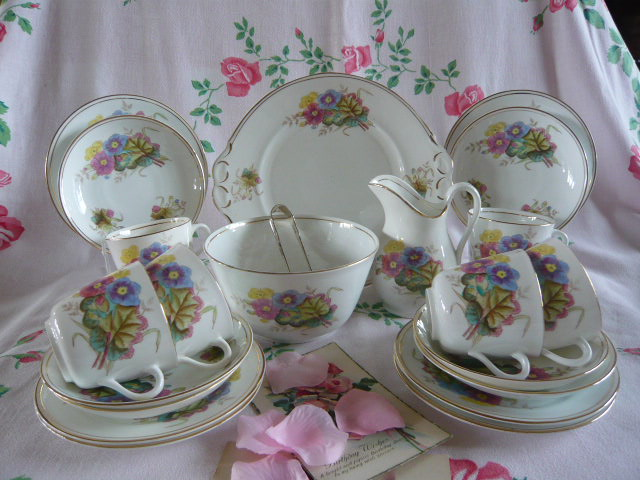 Z/SOLD - VICTORIAN PANSYS TEA SET (C229)