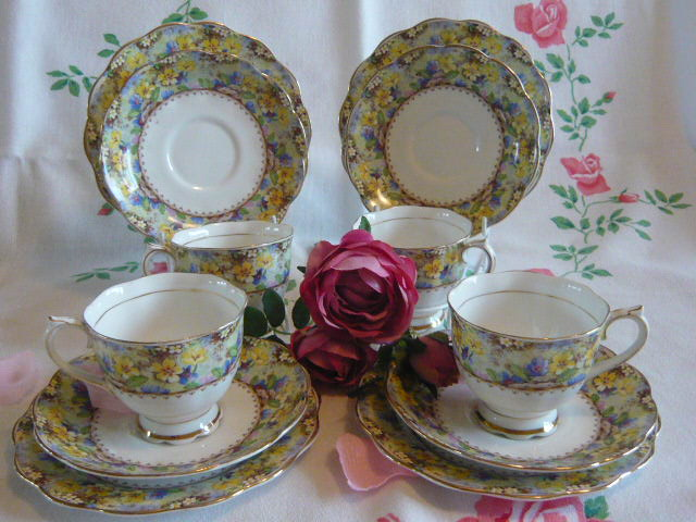 "Z/SOLD - ROYAL ALBERT ""MARYS GARDEN"" CHINTZ TEA SET"
