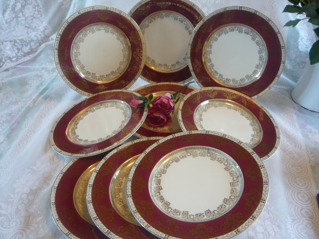 Z/SOLD - SET OF VINTAGE CROWN DUCAL DINNER PLATES