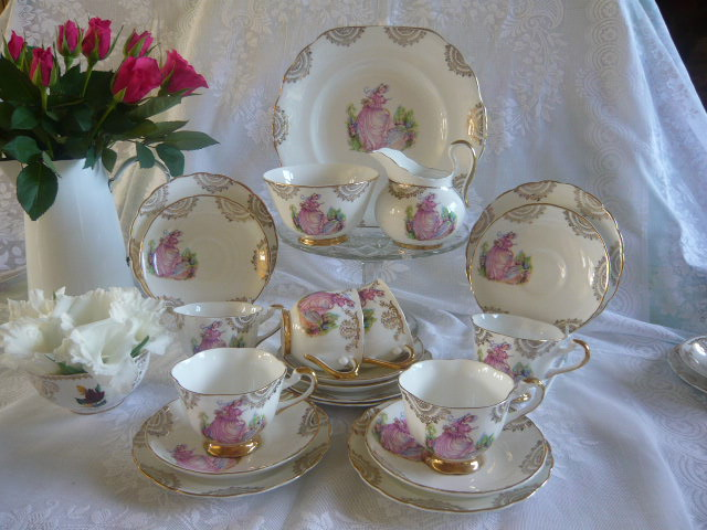 Z/SOLD VINTAGE PINKIE LADY TEA SET