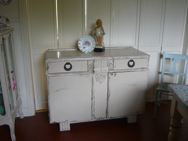 Z/SOLD - VINTAGE SHABBY CHIC SIDEBOARD IN ANNIE SLOAN PAINT
