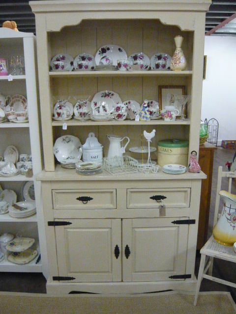 Z/SOLD - A PRETTY SHABBY CHIC PAINTED DRESSER IN ANNIE SLOAN