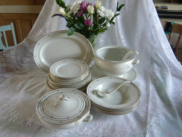 Z/SOLD - ANTIQUE BRIDGWOOD DINNER SERVICE C. 1912