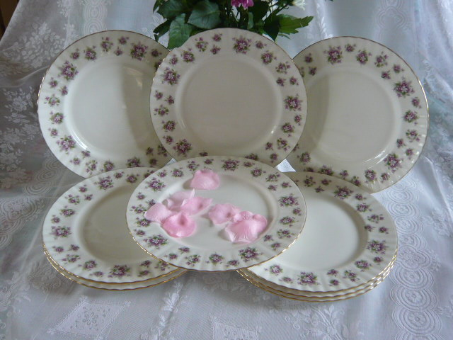 Z/SOLD - ROYAL ALBERT SWEET VIOLETS DINNER PLATES