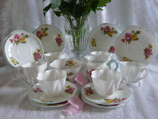 Z/SOLD - SHELLEY BEGONIA TEA SET