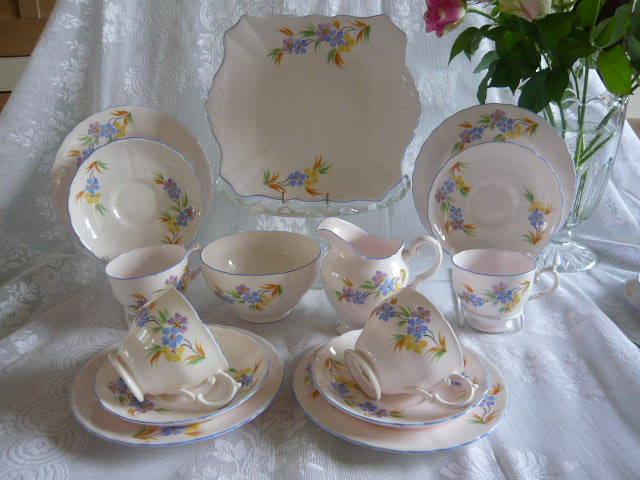 Z/SOLD - ART DECO TUSCAN TEASET