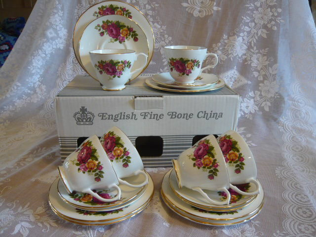 ENGLISH BONE CHINA TEASET IN ORIGINAL BOX PINK ROSES