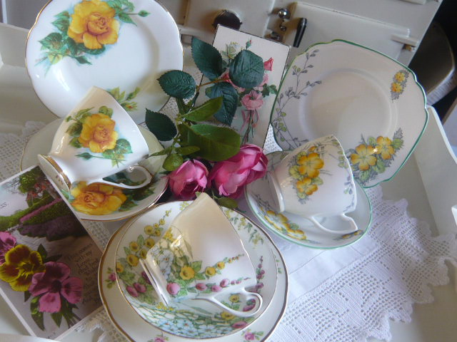 z/sold MIX-N-MATCH VINTAGE TEA SET   yellow