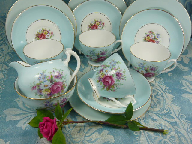 Z/SOLD -VINTAGE DORCHESTER CHINA TEA SET