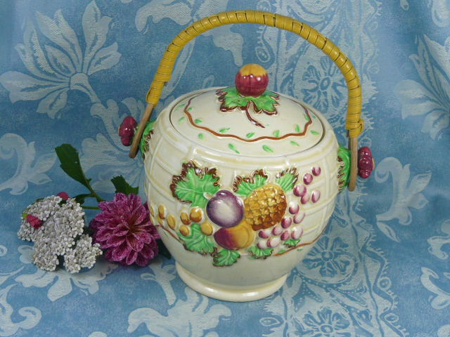 Z/SOLD  VINTAGE BISCUIT BARREL